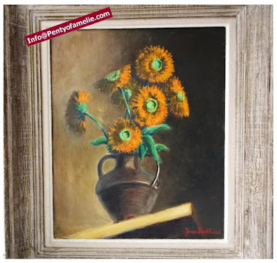 vintage original oil painting on canvas signed depicting lovely bloom orange sunflowers bouquet in a vase, framed showing a nice old patina