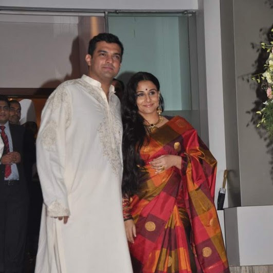 Mallu aunty vidya Balan wedding photos in saree
