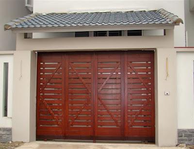 Mẫu cửa cổng sắt giả gỗ 4 cánh