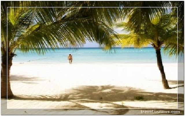 Seven Mile Beach - Negril - Top 7 Best Places to Travel in Jamaica at Least Once in Your Life Time