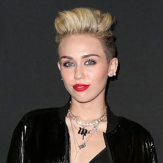 Gaya Rambut Untuk Wajah Kotak: Pixie cut