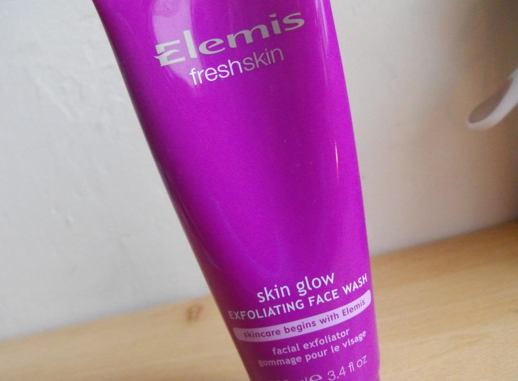 Elemis Fresh Skin Skinglow Exfoliating Face Wash