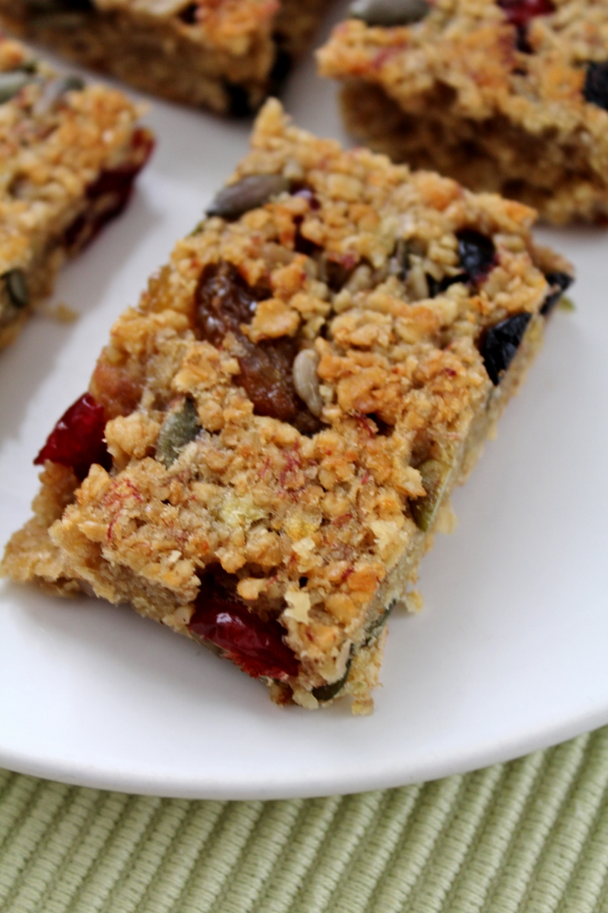 Flapjack with fruits and seeds