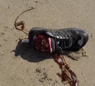 shoes alien