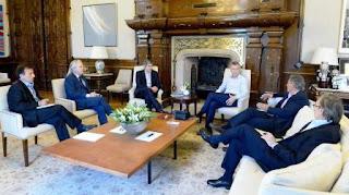 El Presidente analizó el proyecto con su mesa chica en Casa Rosada. La oposición en el Senado buscará emitir dictamen de su proyecto.