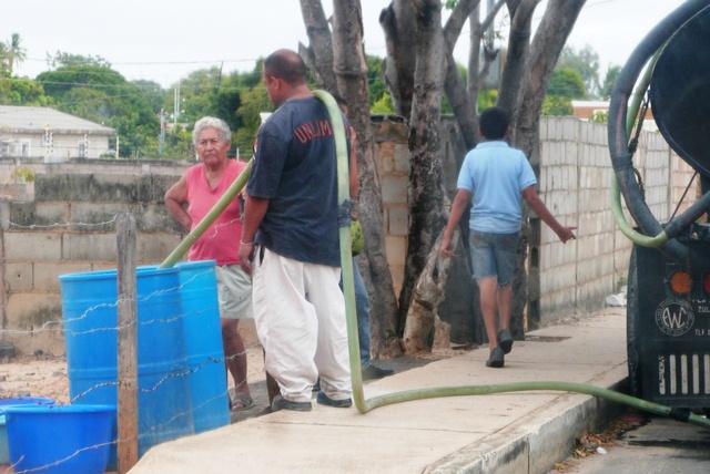 la-villa-clama-por-servicios-de-agua-aseo-y-vialidad-fotos