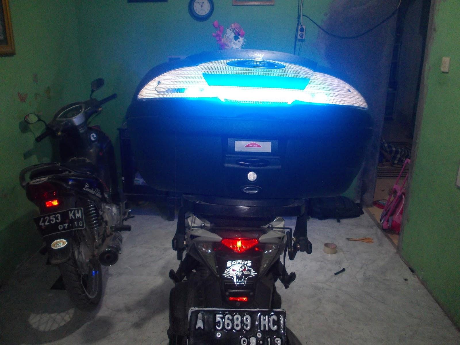 Cara Menambahkan Lampu Led Berjalan Pada Box Motor Modifikasi Rider