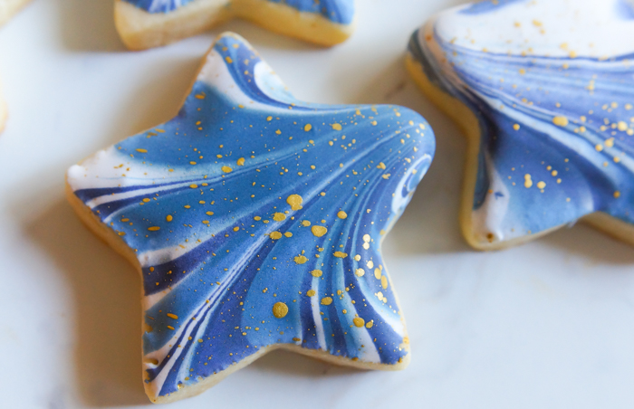 how to make Marbled + Gold-Flecked Star Cookies