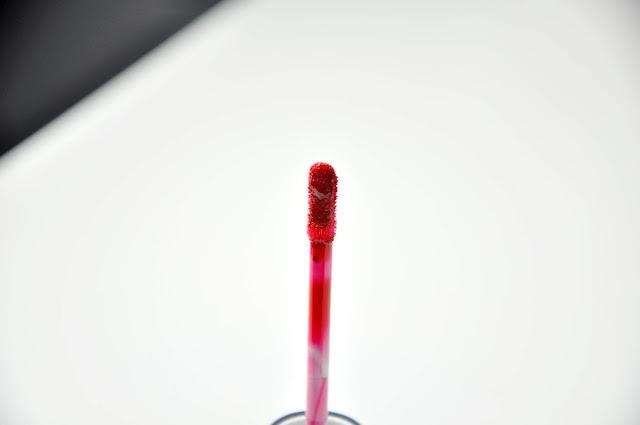 recenzja winylowego błyszczyka do ust golden rose vinyl gloss
