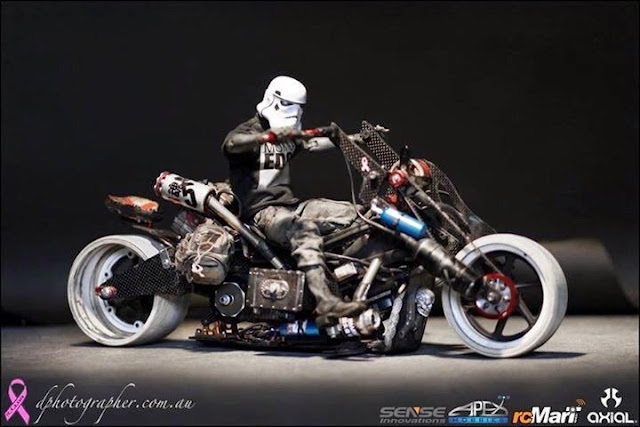 Custom RC motorcycle by Danny Hyunh