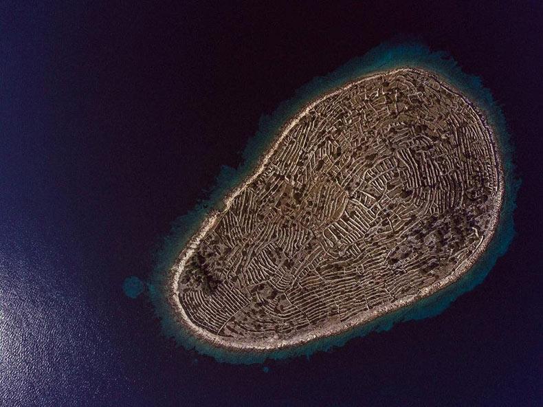 Baljenac, la isla que se asemeja a una huella dactilar