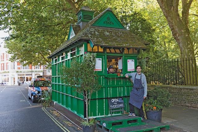 http://3.bp.blogspot.com/-9R4HdXdhFOM/UMOX93rD2PI/AAAAAAABypA/34wPFipgLAQ/s1600/London+Taxi+Shelters+NYT+Magazine+1.jpg