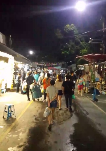 Backpacker Murah ke Thailand : Hari Pertama di Bangkok (Chatuchak Weekend Market)