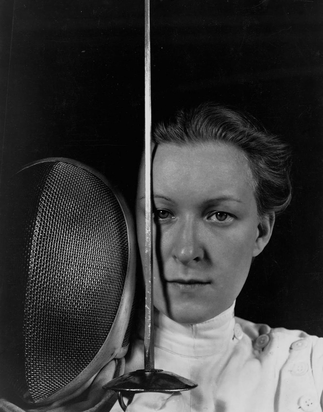 Mayer was only 13 when she won the German women's foil championship in 1924. This picture was taken in 1928.