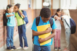http://vnoticia.com.br/noticia/2639-senado-aprova-projeto-que-obriga-escolas-a-combaterem-bullying