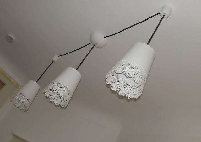 ikea hack aus blumenvasen wird eine deckenlampe fuchsgestreift. Black Bedroom Furniture Sets. Home Design Ideas