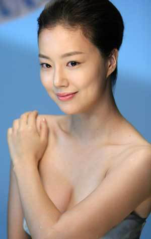 Moon Chae Won (문채원) - Korean Actress and model