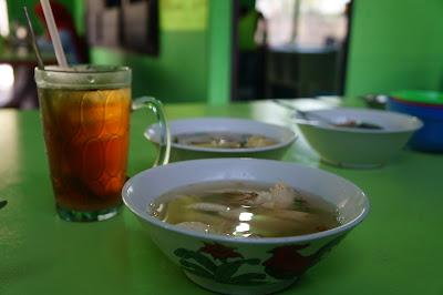 Sop Ayam Pak Min paket Nasi, Sop dan Es teh
