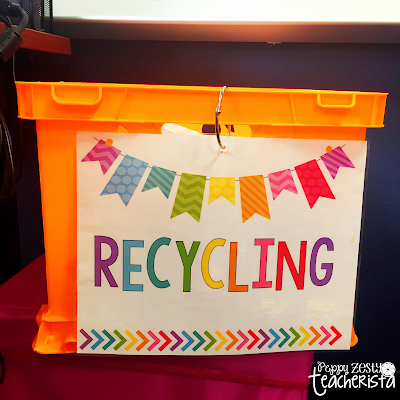 Elementary classroom teacher looking for earth day activities and clasroom ideas to reduce reuse and recycle? These tips and tricks to a more paperless classroom are perfect for Earth Day and conservation!