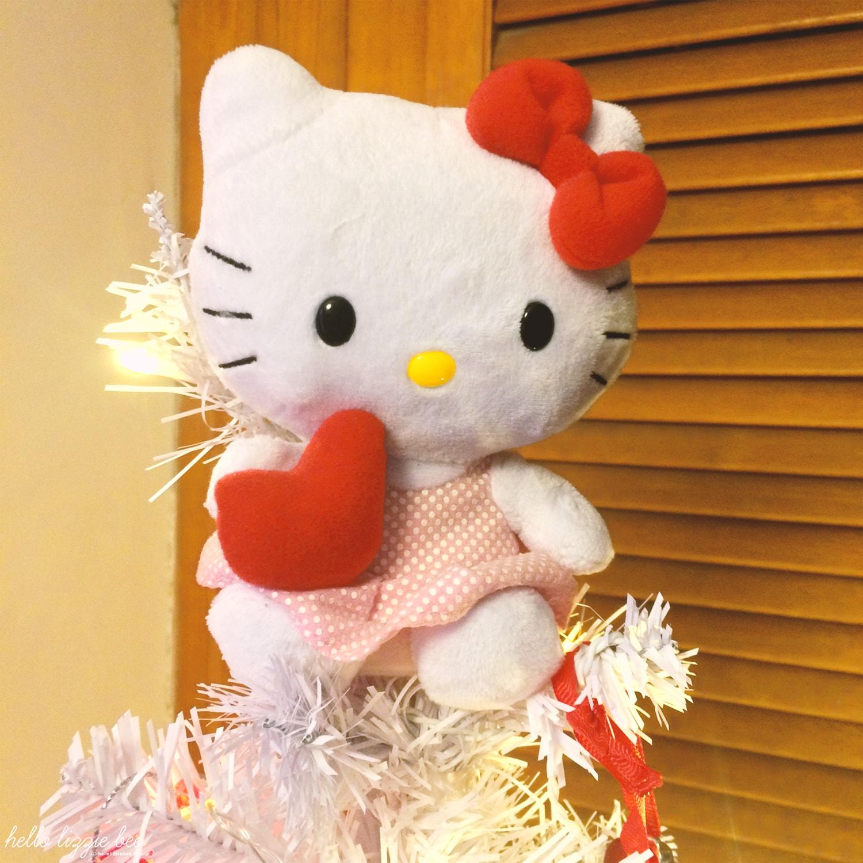 hello kitty christmas topper