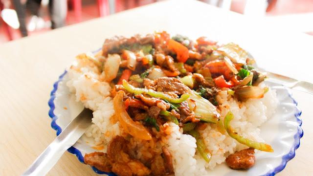 makan di tembok china