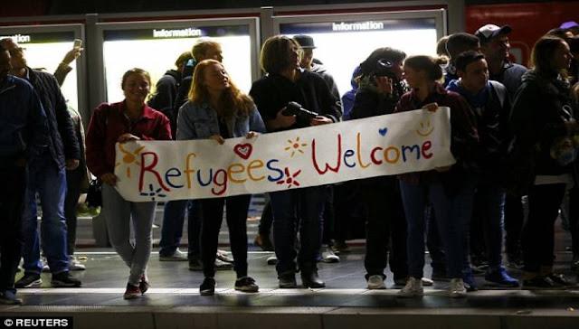 Αριστερή  καλωσόριζε πρόσφυγες, της βίασαν το αγοράκι της και μετάνιωσε πικρά  (Βίντεο)