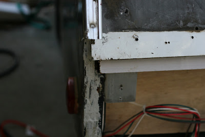 Infiltration d'eau Soyez vigilant !!! Faite vos inspections rigoureusement Camper+and+Salad+001