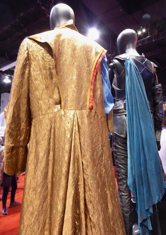Thor Ragnarok Grandmaster coat back