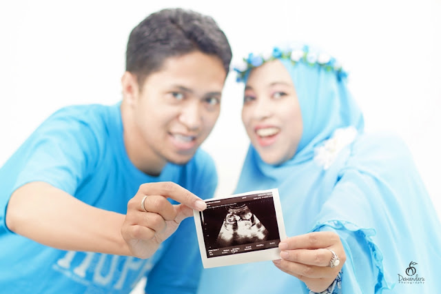 Maternity Photo Baby Ai