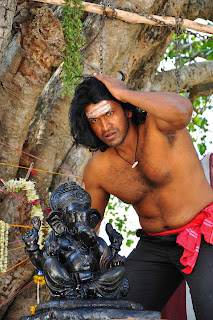 Puneeth's Different Look in Yaare Koogadali Stills