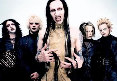 Foto de Marilyn Manson muy maquillados