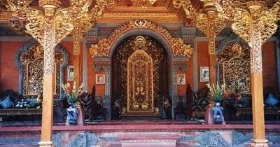 Rumah Adat Gapura Candi Bentar Berasal Dari Daerah Keunikan Rumah Adat Bali Gapura Candi Bentar Berikut Penjelasannya