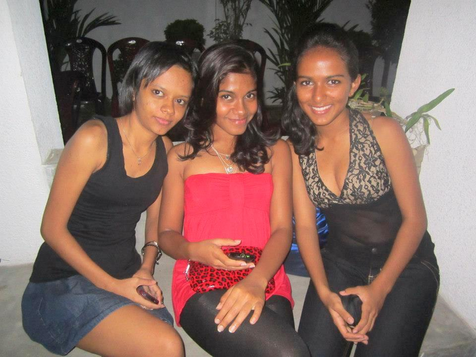Sri lankan upskirt panty nunuporn xxx porn pics