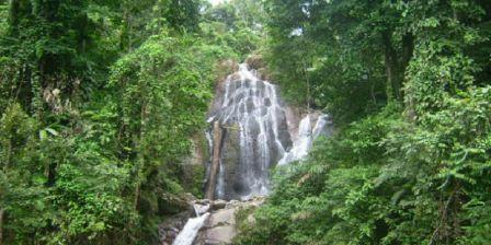 Air Terjun Limbong Komandang, Sensasi Mandi di Alam Sambil Menikmati Pesona Alam Yang Masih Alami dan Asri