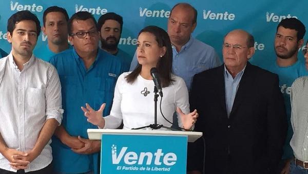 María Corina Machado resaltó la urgencia de obtener un ´gobierno de transición´ para la salida de Maduro del poder