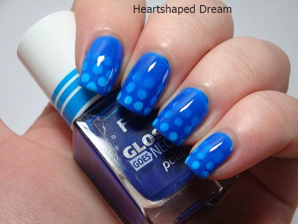 http://heartshapeddream.blogspot.com/2016/03/blue-friday-spezial-gradient-pond-nails.html