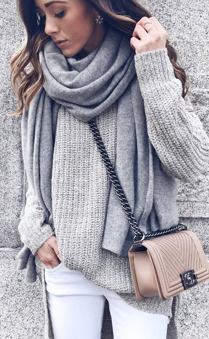 awesome winter outfit_grey scarf + sweater + bag + white skinnies