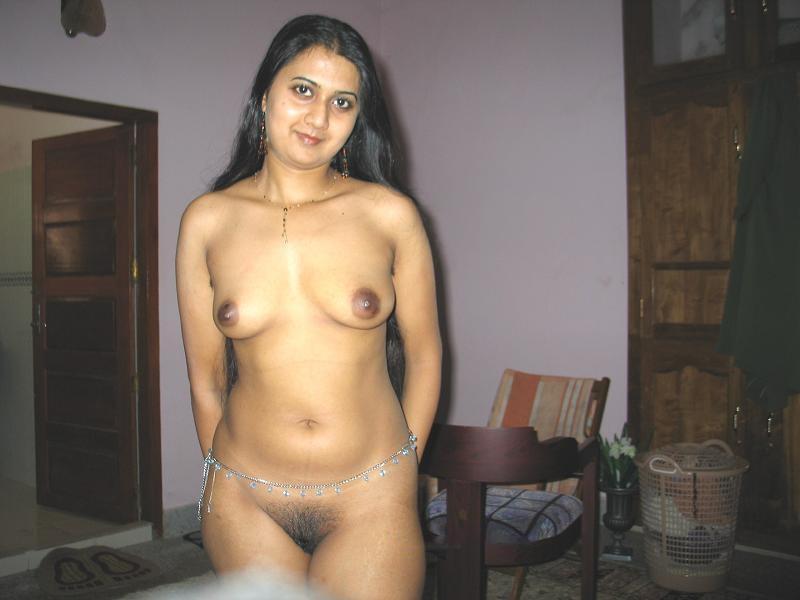 Pics of nude pakistani girls boobs