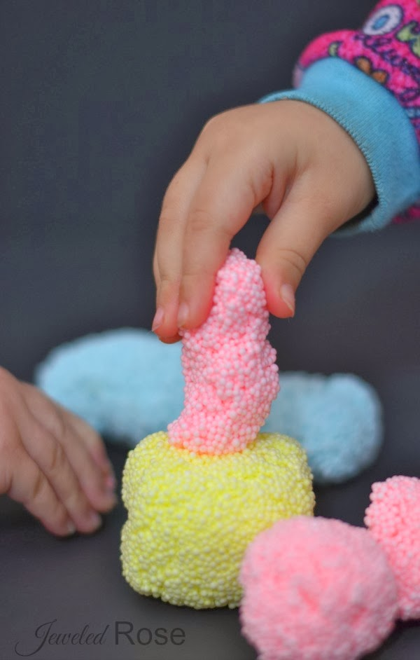 FLOAM- the most fun play material ever! Make your own with this easy recipe #recipeforslime #craftsforkids #activitiesforkids #floamslime #floamslimerecipe #floamrecipe #playrecipesforkids #playrecipes #kidscrafts #kidsactivities #sensoryactivities #artsandcrafts #artsandcraftsforkids #playdoughrecipe