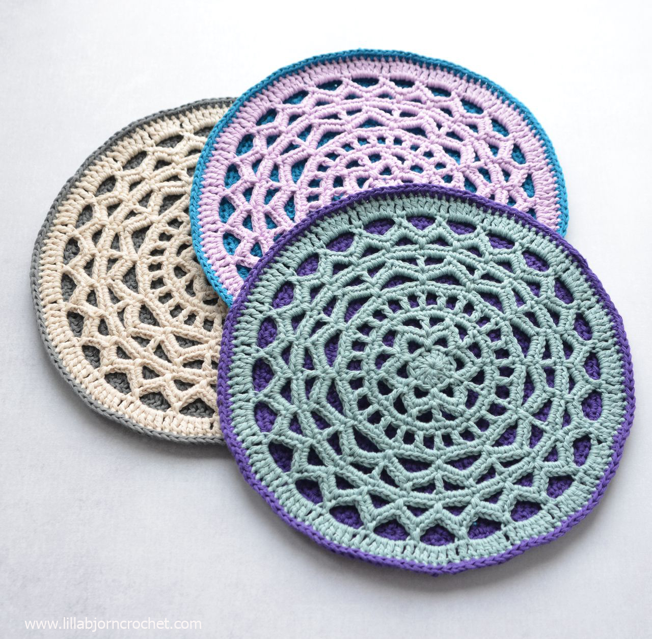 Geometric Mandala - easy crochet pattern by www.lillabjorncrochet.com