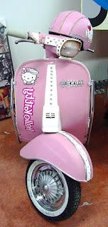 Gambar Motor Vespa Hello Kitty 2