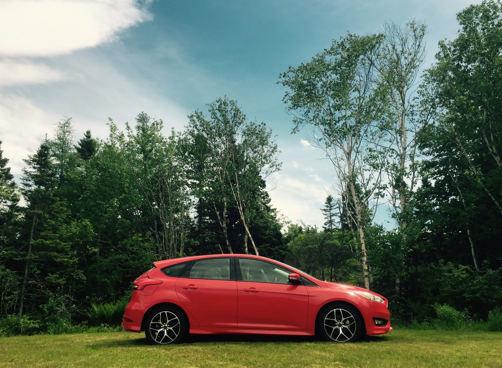 2015 Ford Focus Se Hatchback Review Charming Chassis Continues To Sedan Profile
