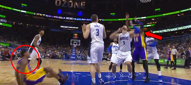 Thomas Robinson Unintentional Alley Oop over Vucevic in Orlando (VIDEO)