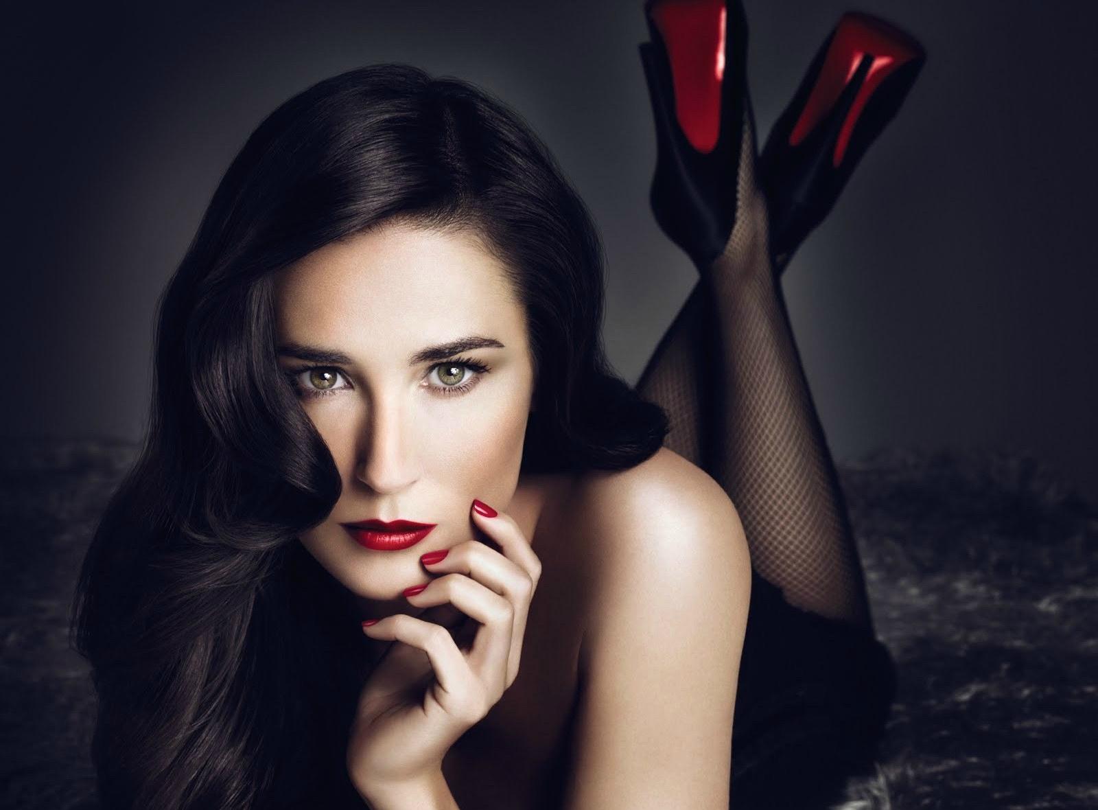 Demi moore sexy legs