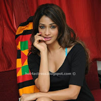 Gorgeous AKARSHA in black short dress