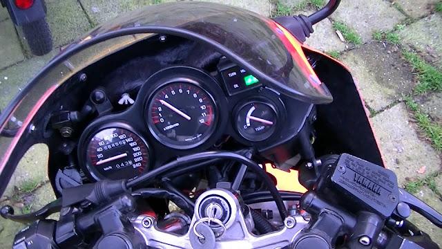 Yamaha RD500LC Stunt Pics