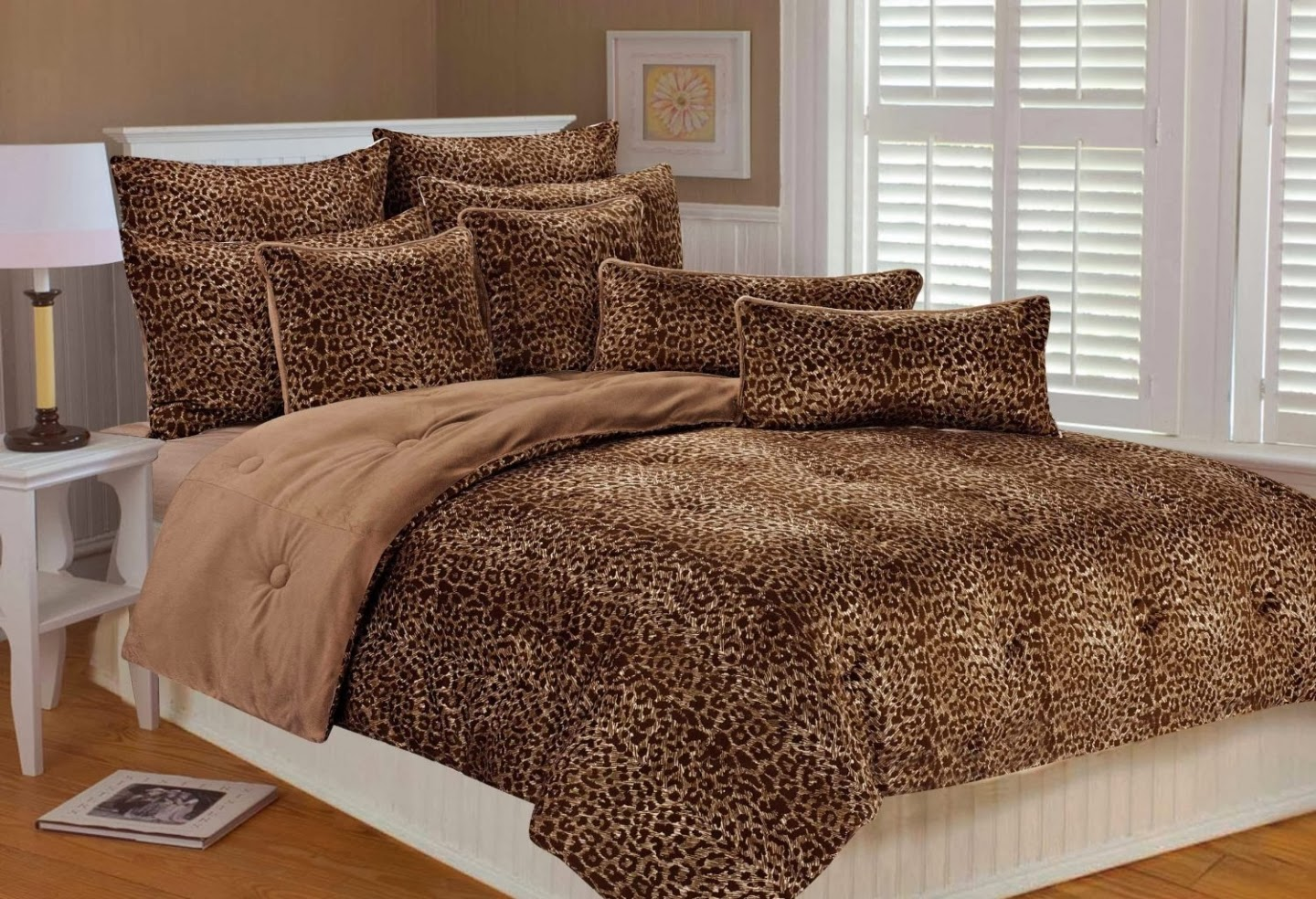 all about insurance: Cheetah wallpaper for bedroom