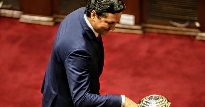 Daniel Salaverry es el nuevo presidente del Congreso de la República - periodo anual 2018-2019 - www.congreso.gob.pe