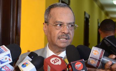 César Mella afirma su cargo está en manos del presidente Danilo Medina