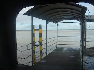 Embarque para a lancha - Belém/PA.
